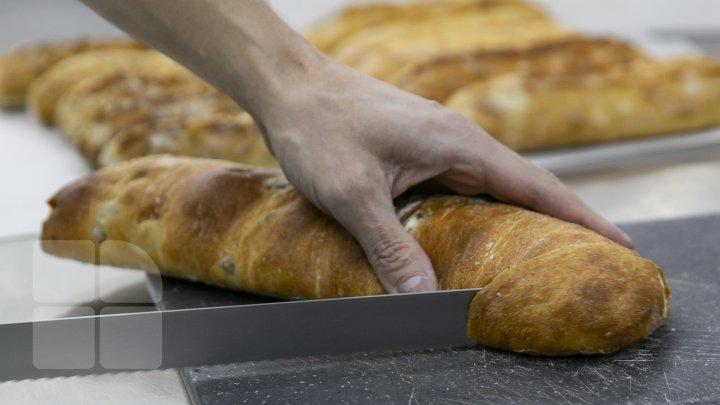 Specialiştii trag un SEMNAL DE ALARMĂ: Moldovenii consumă mult prea multă pâine