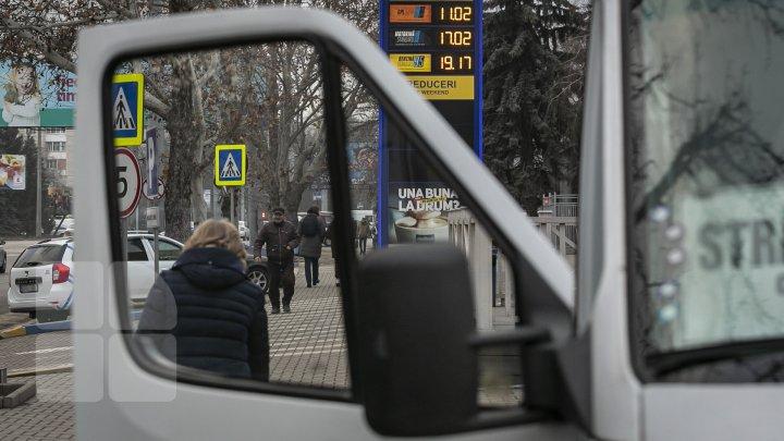REACŢIA şoferilor după scumpirea carburanţilor: Of, mă doare inima când văd (FOTO)