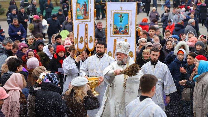 Cum au sărbătorit chişinăuienii Botezul Domnului (FOTOREPORT)