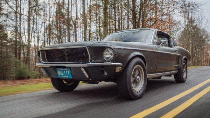 Celebrul Ford Mustang din filmul Bullit, vândut la licitație pentru o sumă record