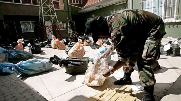 Argentina: 82 de kilograme de cocaină au fost confiscate la bordul unui avion cargo