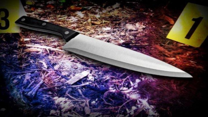 A fost reţinut suspectul care a ÎNJUNGHIAT doi tineri pe o stradă din Capitală. Cine este AGRESORUL