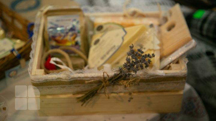 Produse autohtone şi certificate ecologic. FOTOREPORT de la expoziţia Fabricat în Moldova