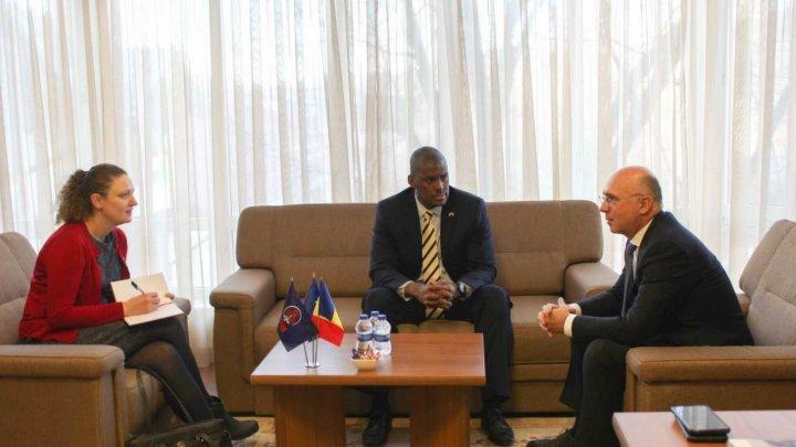 Pavel Filip la întrevederea cu Ambasadorul SUA: PDM rămâne ferm ancorat în valorile occidentale și parcursul european