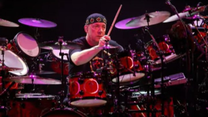 Neil Peart, bateristul celebrei trupei de rock progresiv Rush, a murit la vârsta de 67 de ani