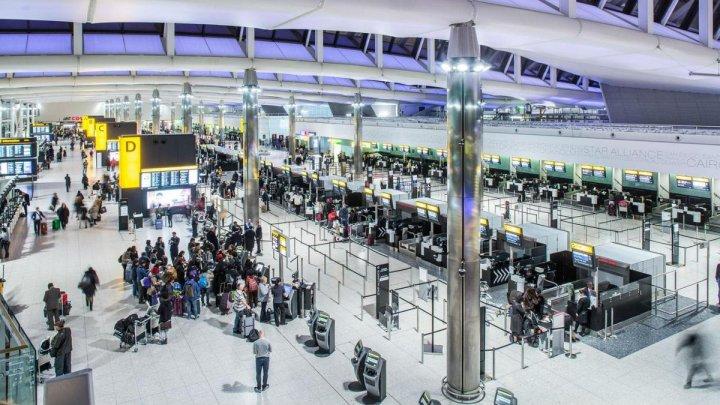 Aeroportul britanic Heathrow va crea o zonă specială pentru pasagerii care vin din țările cu coronavirus