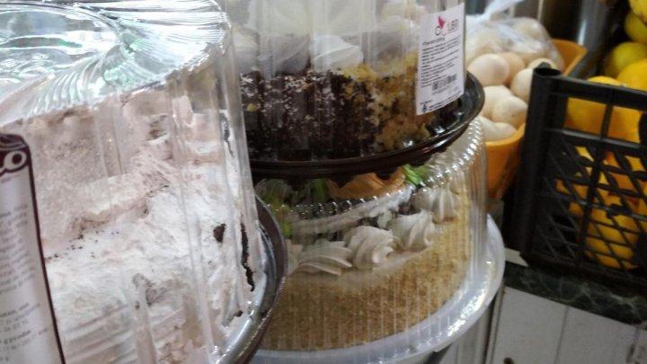 Tort, produse de cofetărie şi peşte cu termen de valabilitate EXPIRAT, depistate în mai multe magazine din Basarabeasca şi Cimişlia