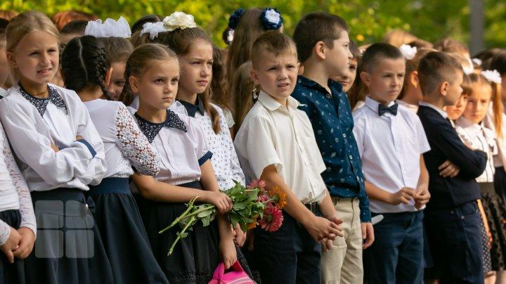 Reguli pentru toți copiii care frecventează școlile și grădinițele