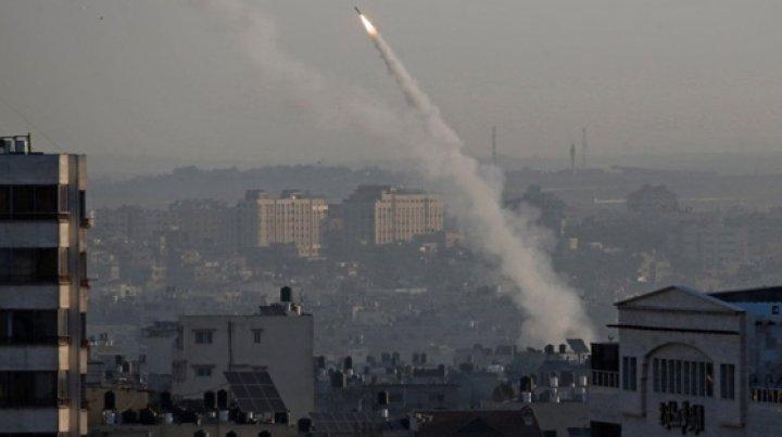 Avioane militare israeliene au atacat poziţii din Fâşia Gaza