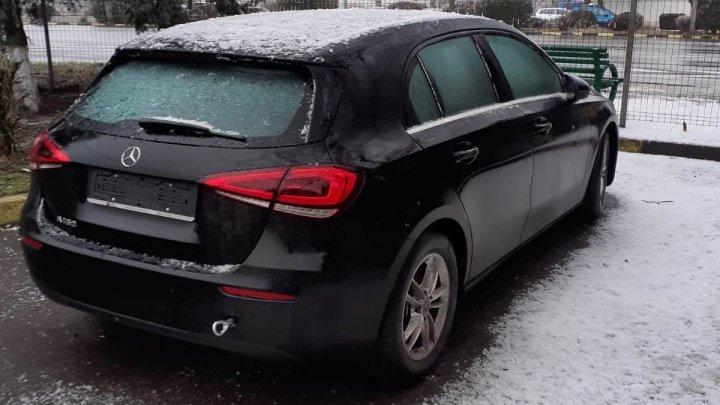 Ce a păţit un moldovean care şi-a cumpărat un Mercedes de circa 12.800 de euro din Italia (FOTO)