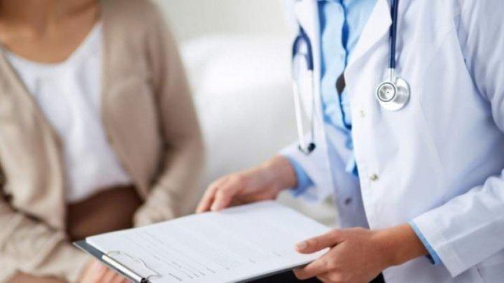 Tot mai puţini medici în spitalele din ţară. În unele instituţii medicale, pacienţii sunt nevoiţi să aştepte luni întregi pentru a fi investigaţi