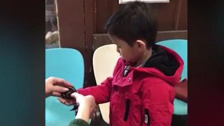 Un băieţel de 3 ani a devenit cel mai tânăr membru al Mensa (VIDEO)