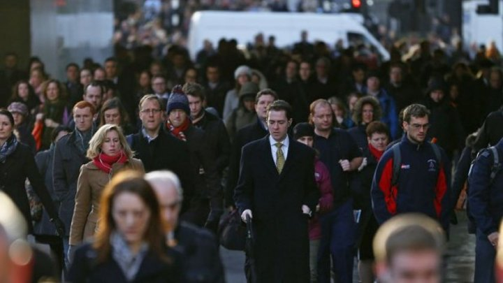 Marea Britanie: Creşterea salariilor a încetinit, iar rata şomajului, la cel mai scăzut nivel din 1975