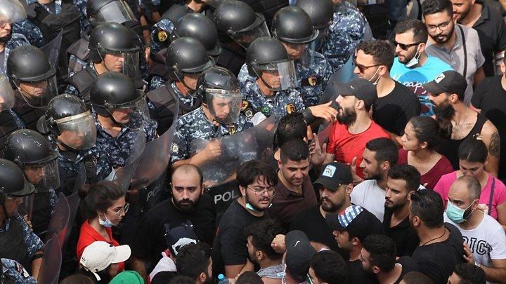 Proteste violente în Liban, din cauza sărăciei și corupției: 45 de oameni au fost răniți