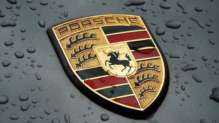 Procurorii din Germania au efectuat percheziţii la sediile Porsche