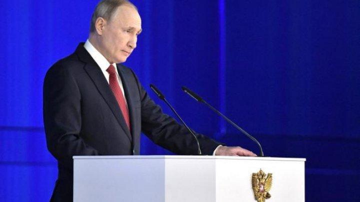 """Putin avertizează că le va închide """"gurile murdare"""" celor care încearcă să rescrie istoria"""