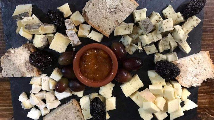 O poveste de dragoste dintre un bucătar din Franța și o studentă din Republica Moldova a dat naştere unei AFACERI INEDITE