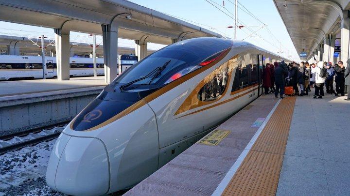 A fost lansat cel mai rapid tren autonom din lume, care ajunge la o viteză de până la 350 de km/h