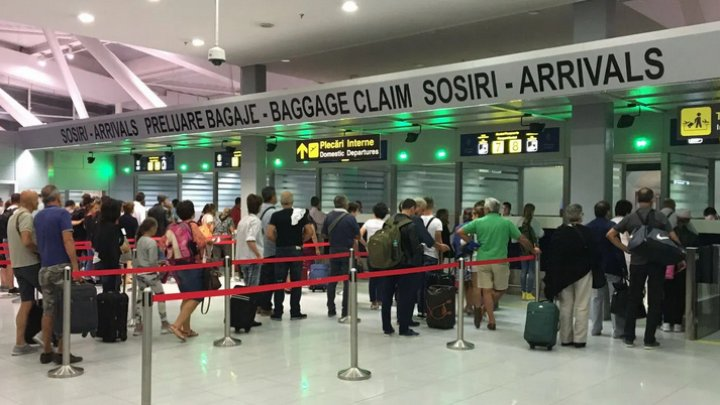 Alertă pe un aeroport din România, după ce un pasager a prezentat simptome de gripă