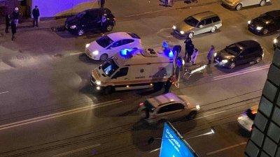 Accident grav în centrul Capitalei. Un bărbat, lovit violent de o maşină