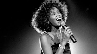 La opt ani după moarte, Whitney Houston va susține un turneu în Europa și SUA