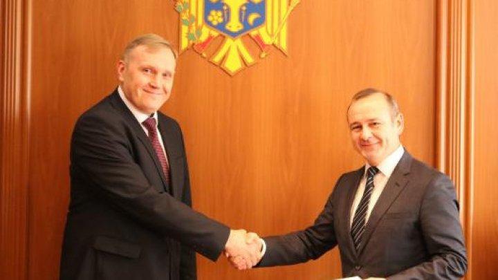Ambasadorul agreat al Ucrainei a prezentat copiile scrisorilor de acreditare la MAEIE