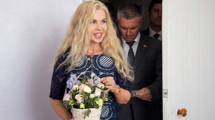 Declaraţie BOMBĂ! Soţia liderului de la Tiraspol ar deţine cetăţenie română (FOTO)