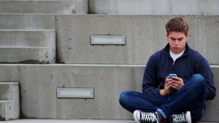 STUDIU: Un stil de viaţă sedentar creşte riscul de depresie în cazul adolescenţilor