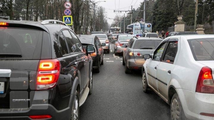 InfoTrafic: Cum se circulă la această oră pe străzile din Capitală