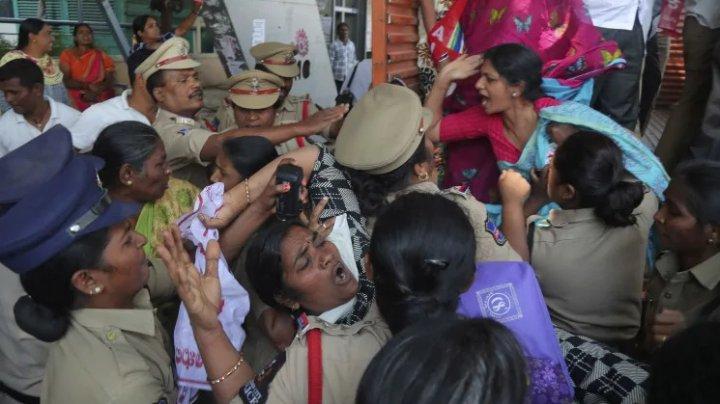 India: Cel puţin şapte morţi şi 150 de răniţi în violenţe în timpul protestelor legate de legea cetăţeniei