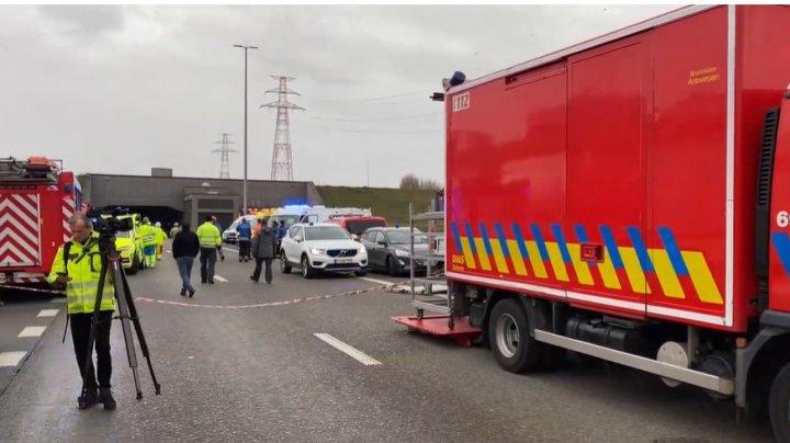 Carambol într-un tunel din Belgia. Un om a murit, iar 49 au fost răniţi