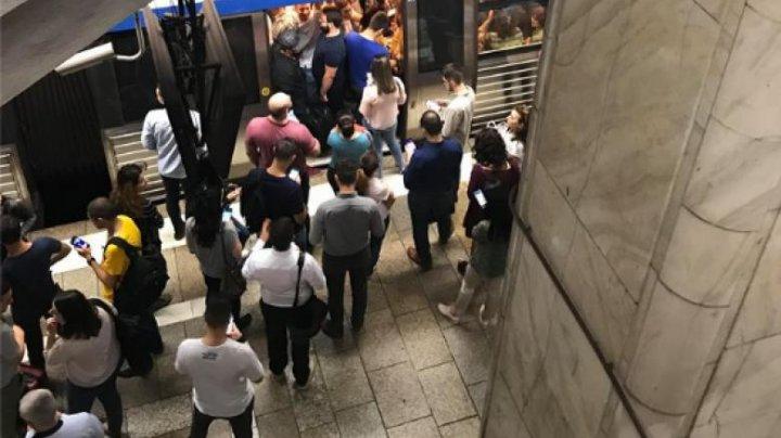 Revoltător. Un tânăr asiatic a fost bătut și dat afară din metrou din cauza coronavirusului