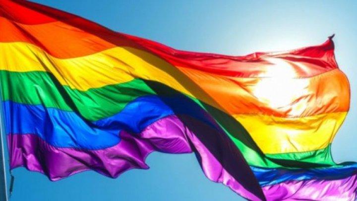 Elveţienii au aprobat prin referendum o lege ce interzice discriminarea pe motive de orientare sexuală