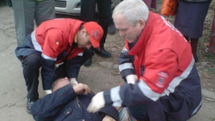 Incident în România. Motivul revoltător pentru care un bețiv a inventat că are coronavirus și a sunat la 112