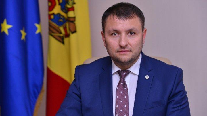 """MÂRLĂNIE DE PARLAMENTAR! Nicolae Ciubuc, la adresa jurnalistei Publika TV: """"Voi îi ţineţi pantalonii lui Candu"""""""