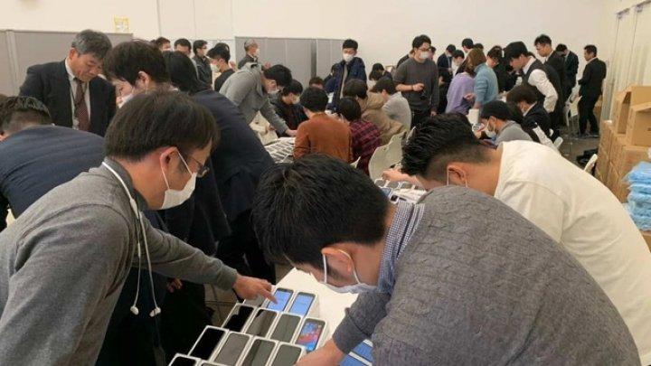 Japonia oferă mii de iPhone-uri celor care sunt în carantină la bordul navei Princess Diamond din cauza coronavirus