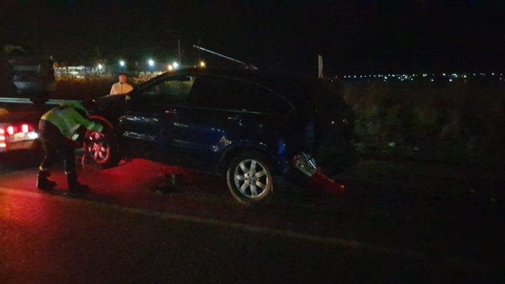 Accident grav la Iaşi: O maşină, condusă de un şofer beat, a izbit puternic un alt automobil, la volanul căruia era un moldovean (FOTO)