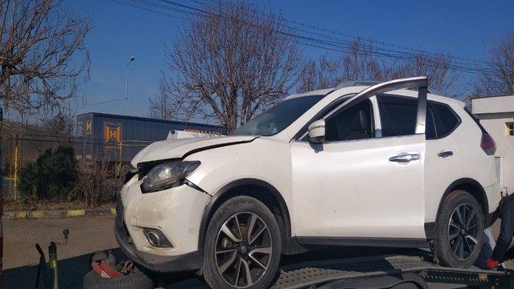 Un Nissan X-Trail, căutat de autorităţile din Franţa, depistat la frontiera de stat. Ce explicaţii a dat un moldovean