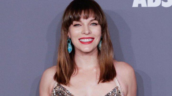 Actriţa Milla Jovovich a devenit mamă pentru a treia oară
