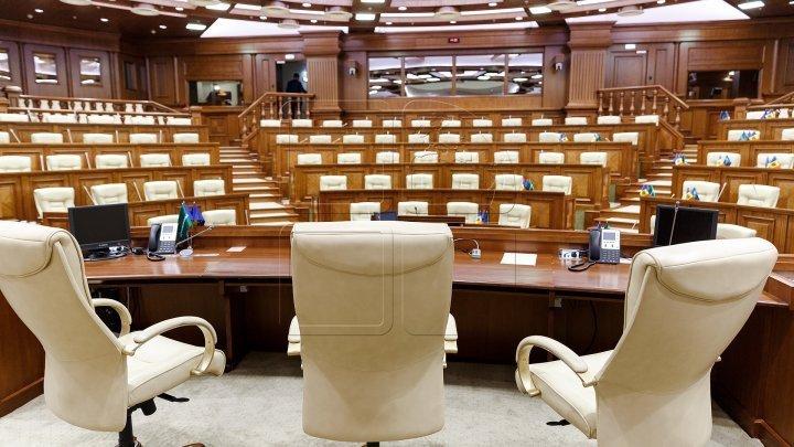 Platforma DA şi PDM nu pupă niciun loc în Parlament la următoarele alegeri. Vezi ce formaţiuni ar intra în Legislativ