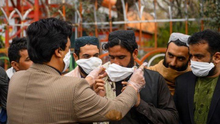Iranul anunţă 34 de morţi din cauza coronavirusului. Rugăciuni anulate în 23 de provincii