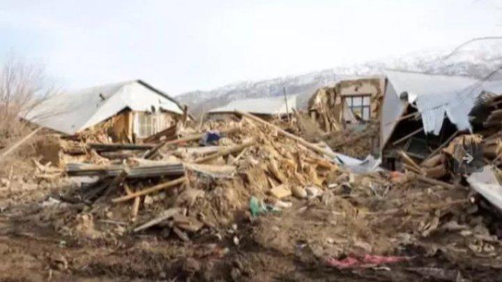 Bilanțul tragic al cutremurului din Turcia: Zece morți, cel puţin 100 de răniți şi peste o mie de clădiri prăbușite