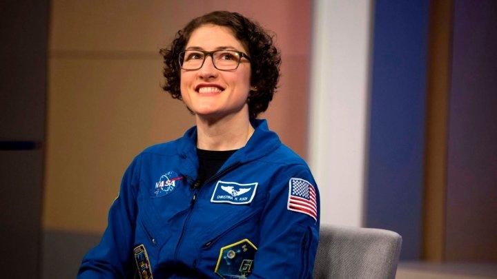 Christina Koch, noua vedetă a NASA. Astronautul ar putea fi prima femeie care pune piciorul pe Lună