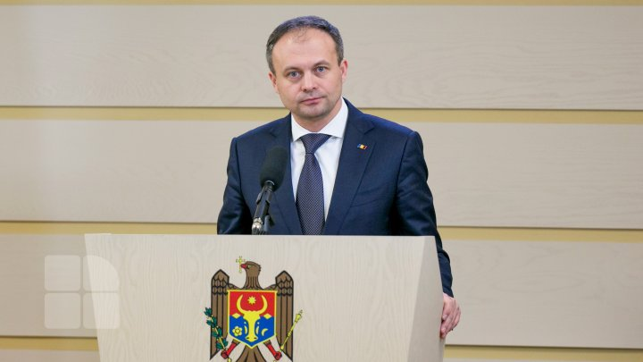 Candu, despre intenția lui Dodon de a iniția discuții cu fracțiunile parlamentare: Singura în drept să o facă este noul președinte