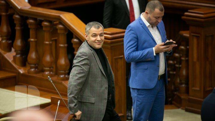 Show Must Go On. Şedinţa plenară a Parlamentului din 21.02.2020 (FOTOREPORT)