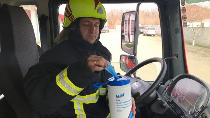 Pompierii și salvatorii continuă măsurile de prevenire contra COVID-19