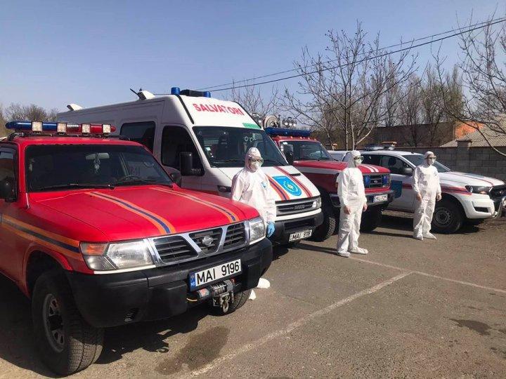 Salvatorii continuă acțiunile de informare a cetățenior despre măsurile de prevenire a răspândirii COVID - 19 (FOTO/VIDEO)