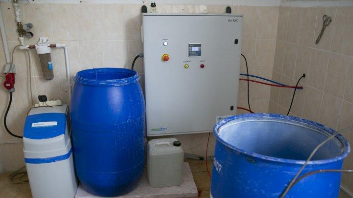 Întreprinderea Spaţii Verzi produce zilnic şase tone de dezinfectant și îl oferă gratuit (FOTOREPORT)