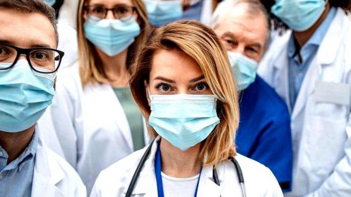 Trei noi SIMPTOME ale infectării cu noul coronavirus au fost recunoscute de specialiștii americani
