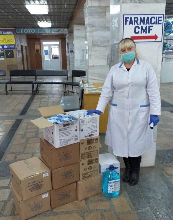 68 de centre de sănătate și 211 oficii ale medicilor de familie din țară vor primi măști, mănuși și dezinfectați